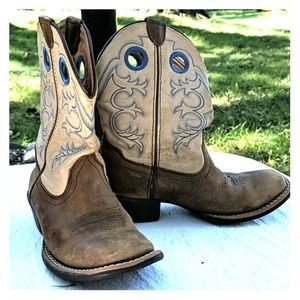Ariat Cowboy boots for kids